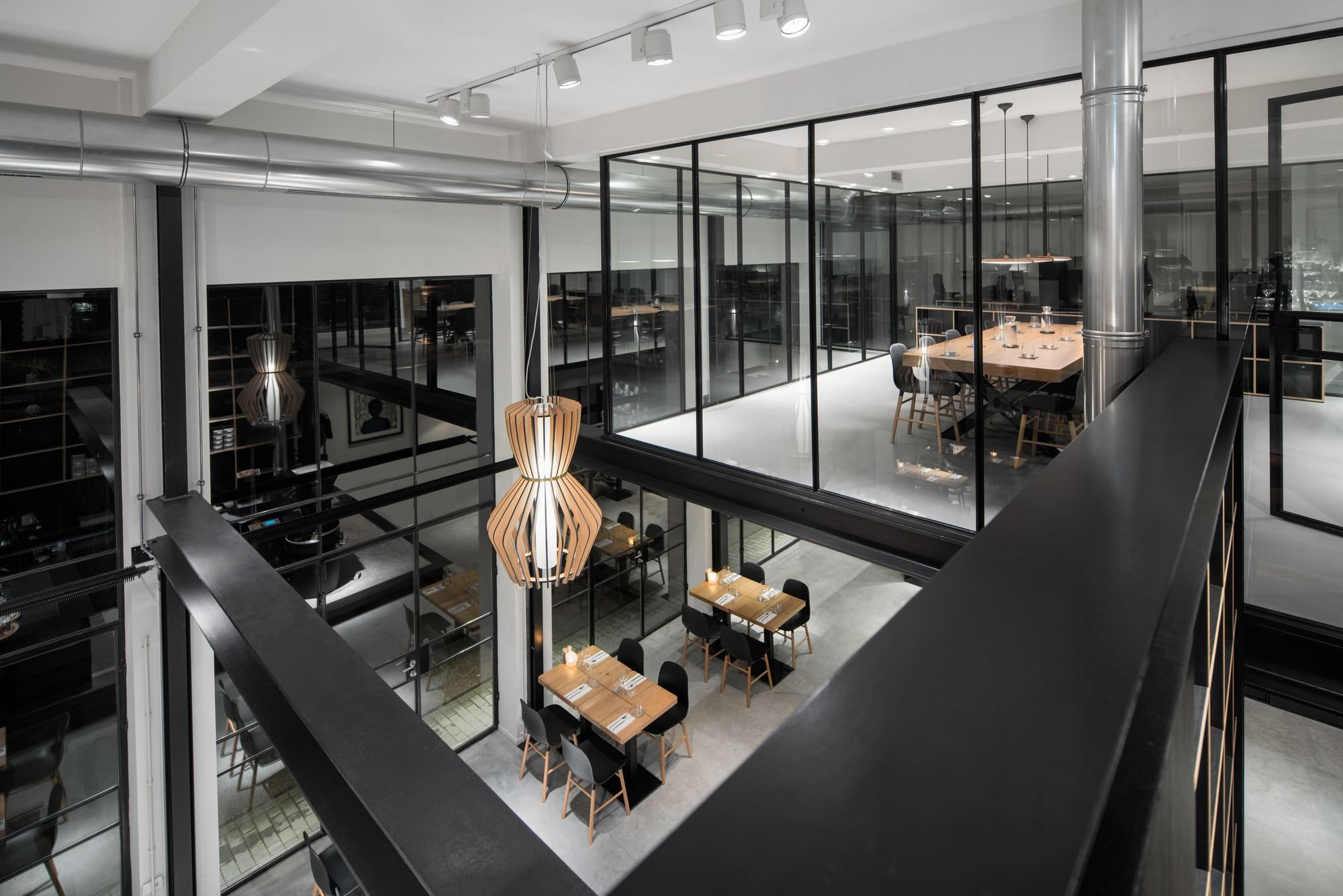 Black-and-white-interior-of-the-industrial-cafe-in-The-Hague