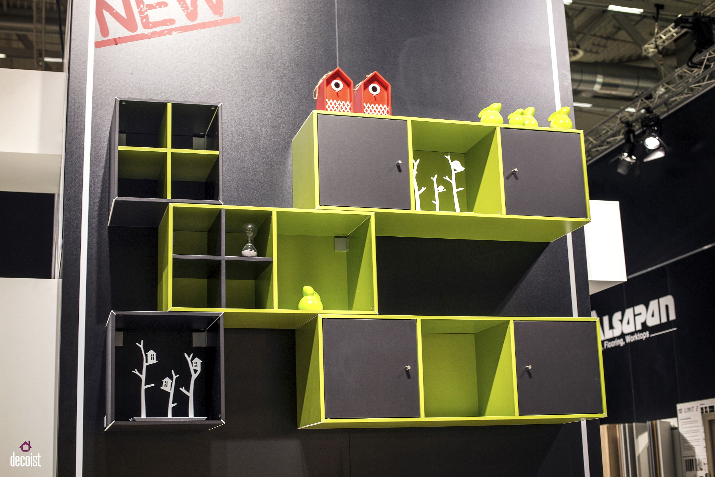 Colorful, modular wall-mounted units for a fun and practical kids' room