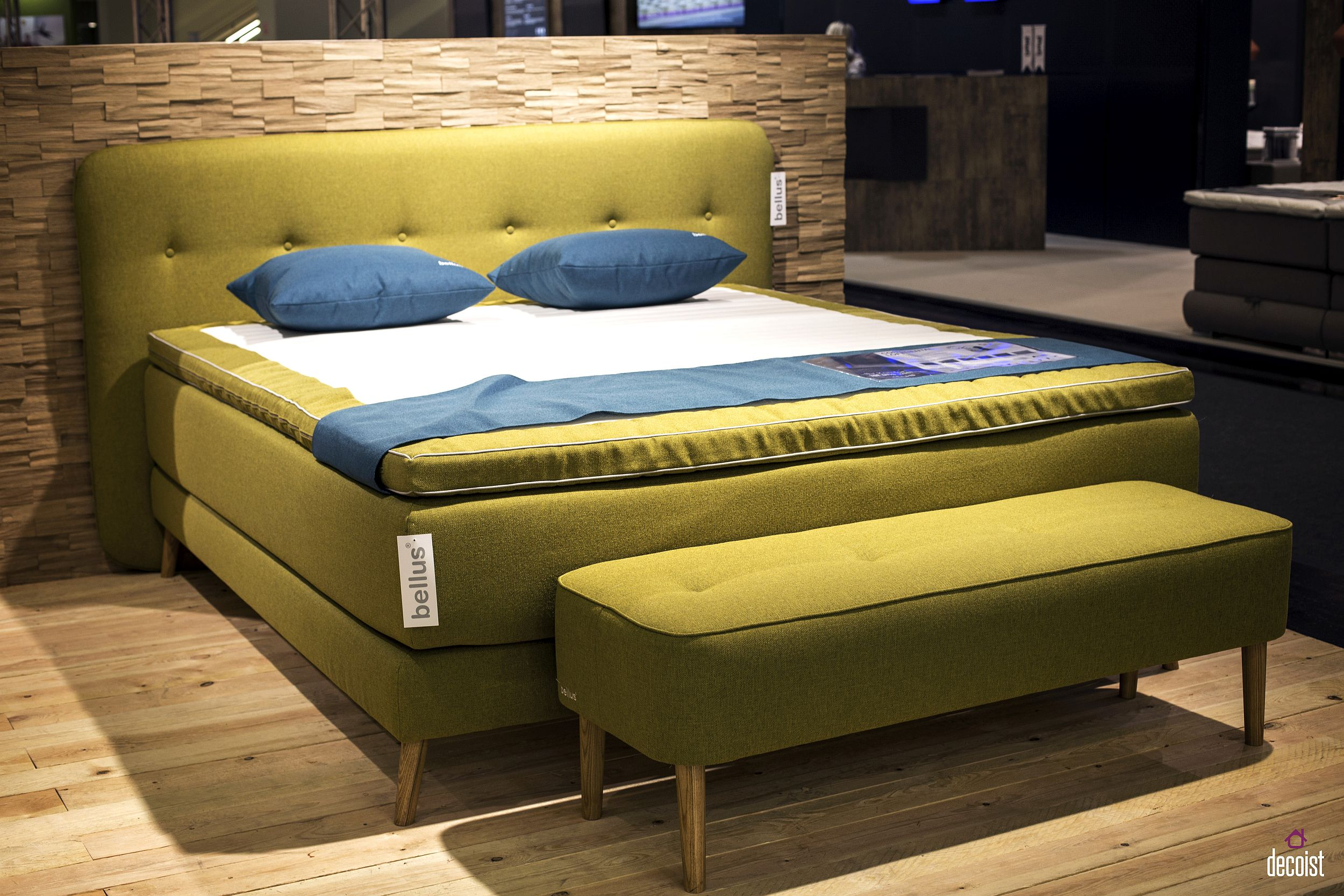 30 Beds and Headboards that Bring Color to the Bedroom