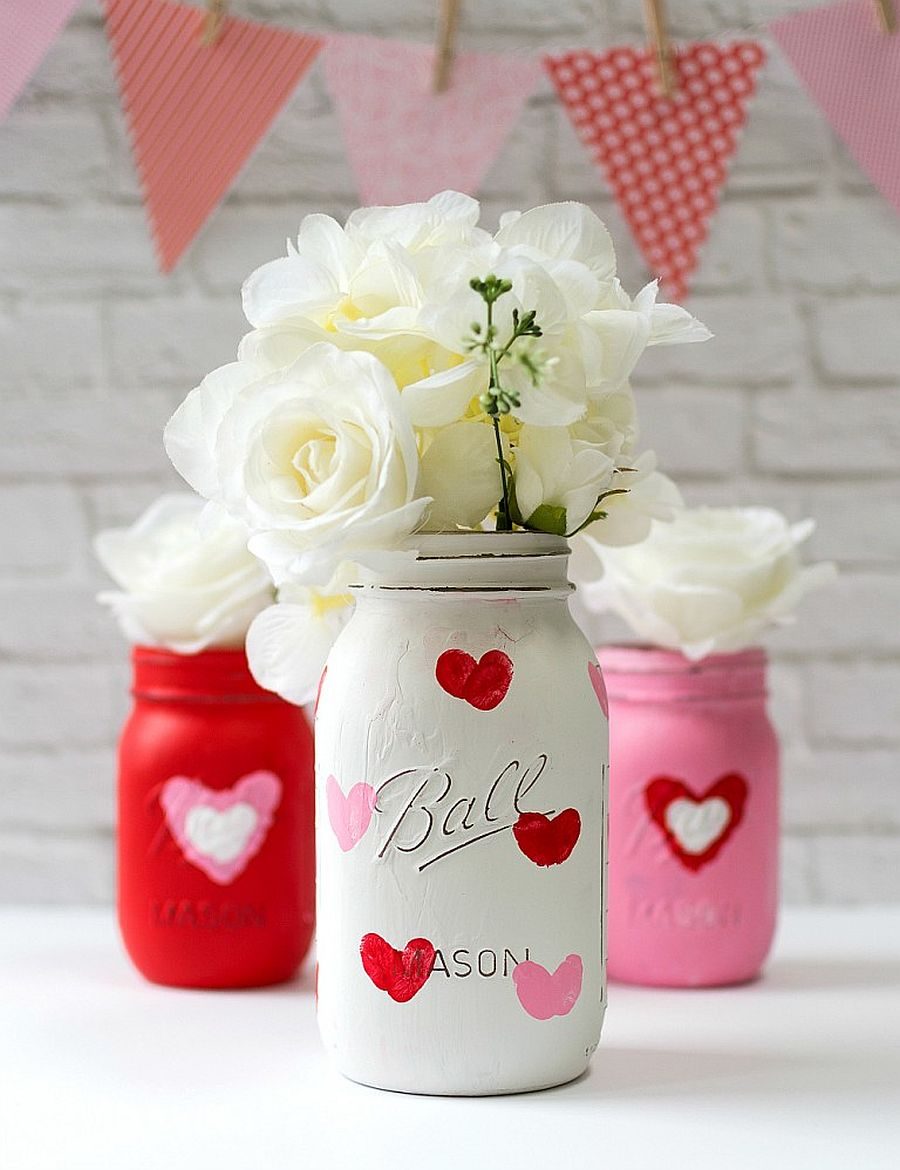 Cute thumbprint heart mason jars for Valentine's Day