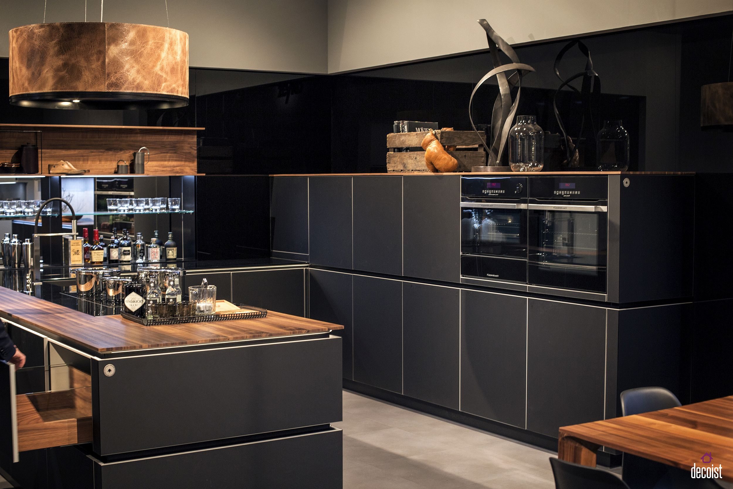 Dashing kitchen in gray also comes with a cool home bar