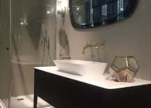 Elegant-and-contemporary-mirror-frame-from-Puntotre-217x155