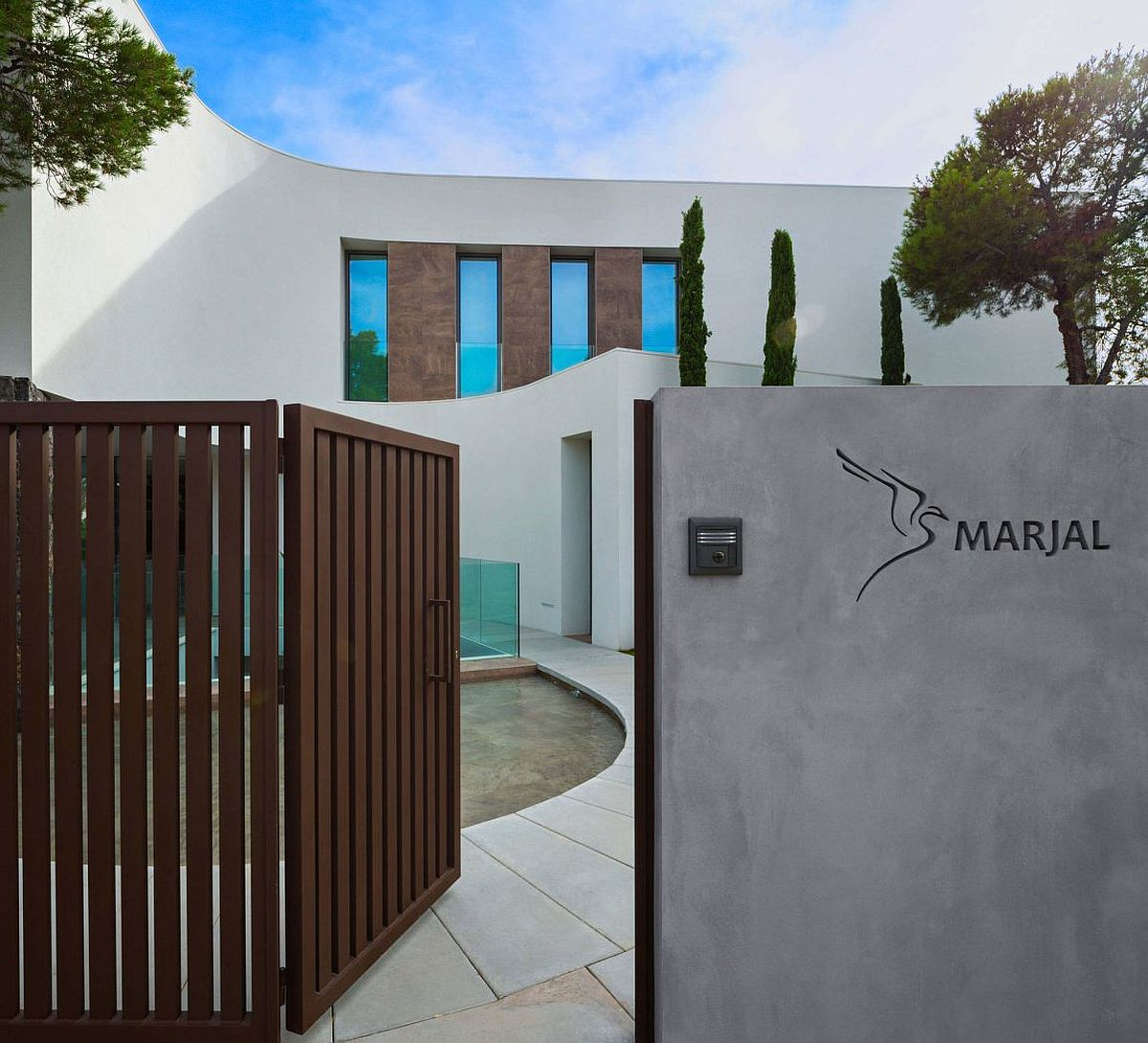Entrance to the delightful Spanish home with relaxing contemporary style in Finestrat