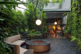 Lavish Outdoors: Stunning Courtyards and a Cloak of Greenery Enchant at Casa O'