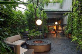 Lavish Outdoors: Stunning Courtyards and a Cloak of Greenery Enchant at Casa O'