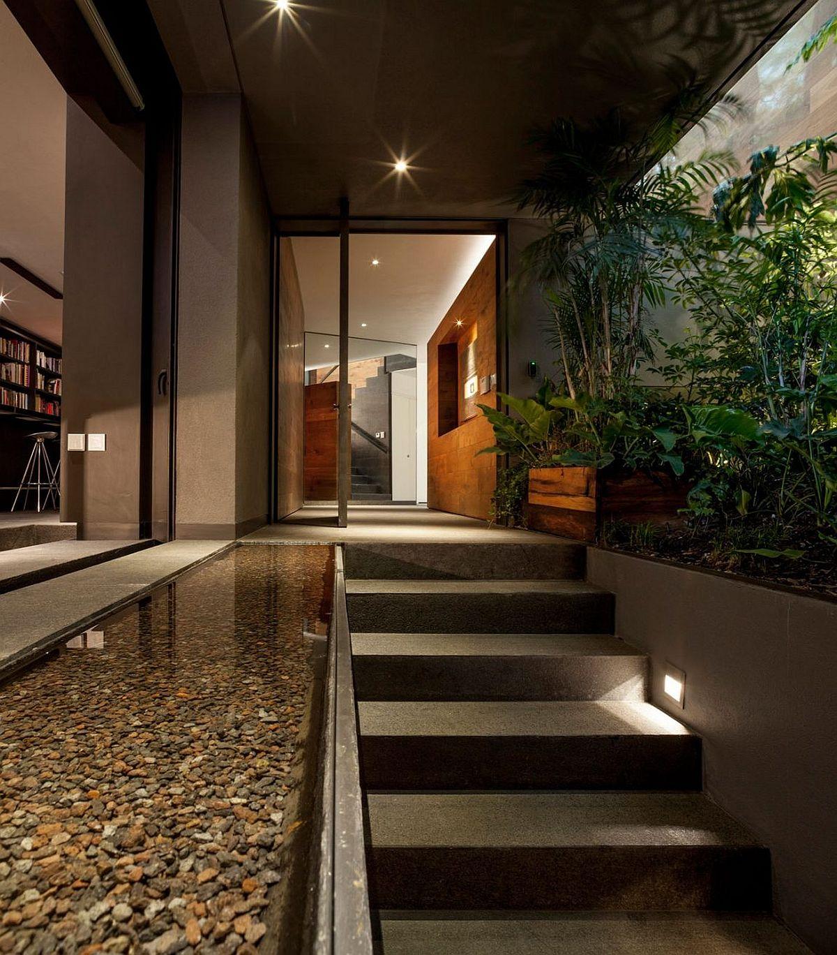 Entry-to-Casa-O-in-Mexico