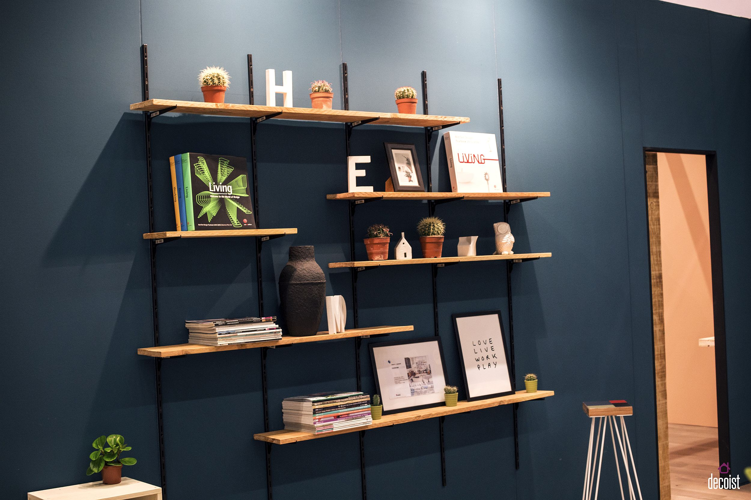 Floating shelves for the kids' room are an aesthetic and practical choice