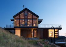 Gabled-roof-and-rustic-materials-create-a-gorgeous-and-eco-friendly-mountain-home-217x155