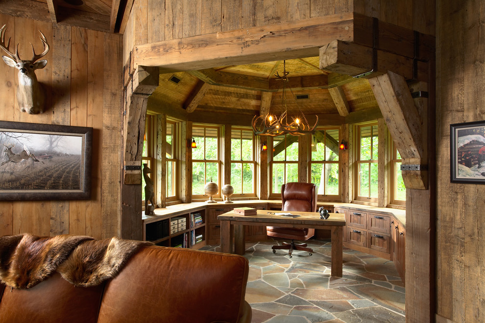 Home office with a special and significant cabin feeling