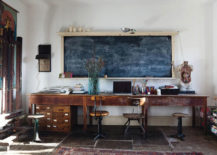 Incredibly-useful-rustic-office-with-a-maximized-workspace--217x155