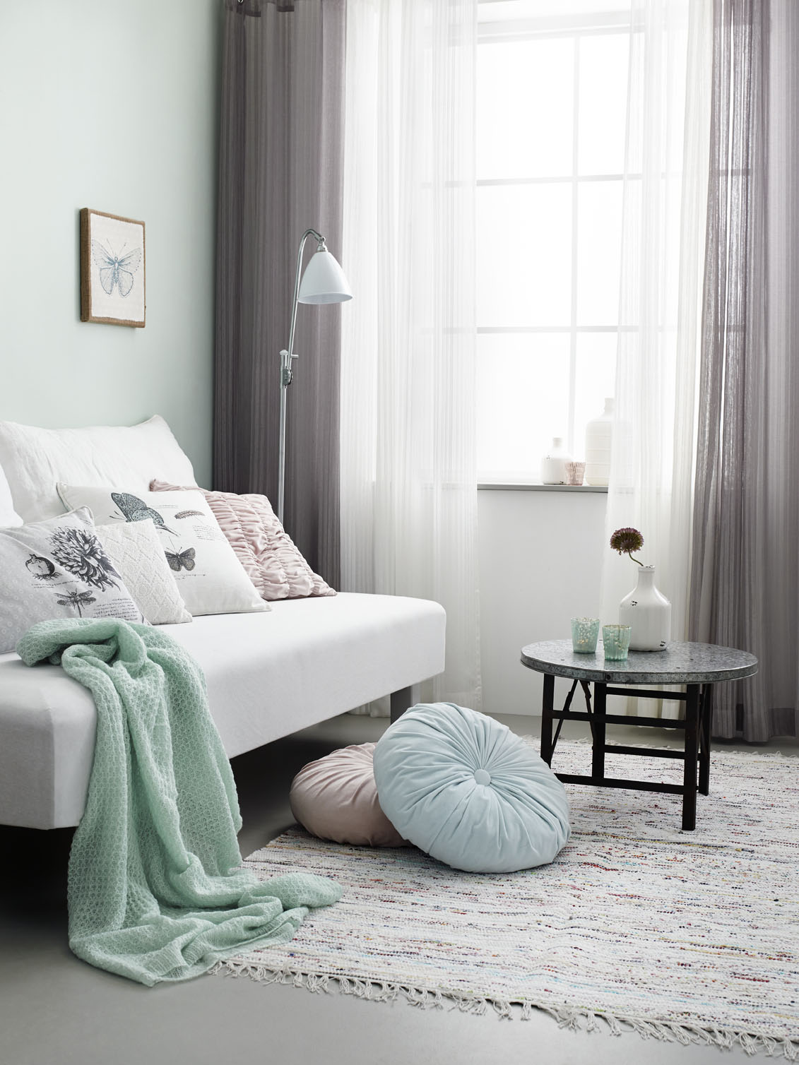 Grey and green living room - Beautiful Shades Of Mint