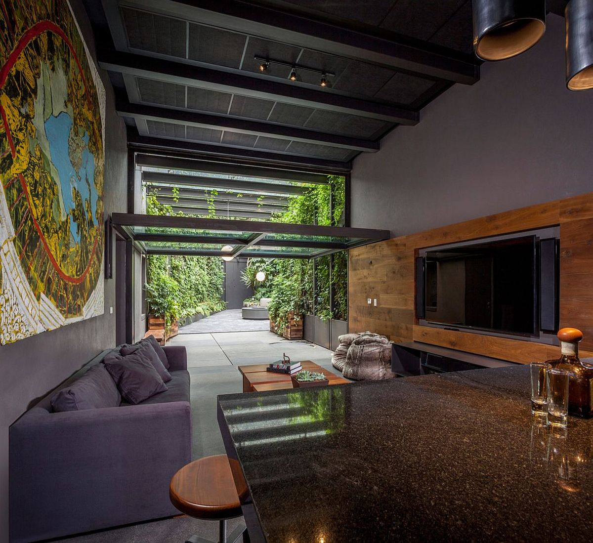 Media-room-and-man-cave-of-the-Mexican-home
