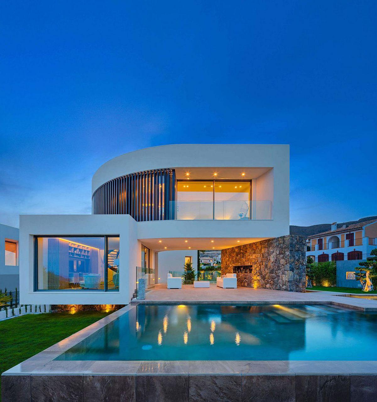 Mesmerizing Casa Finestrat in Spain