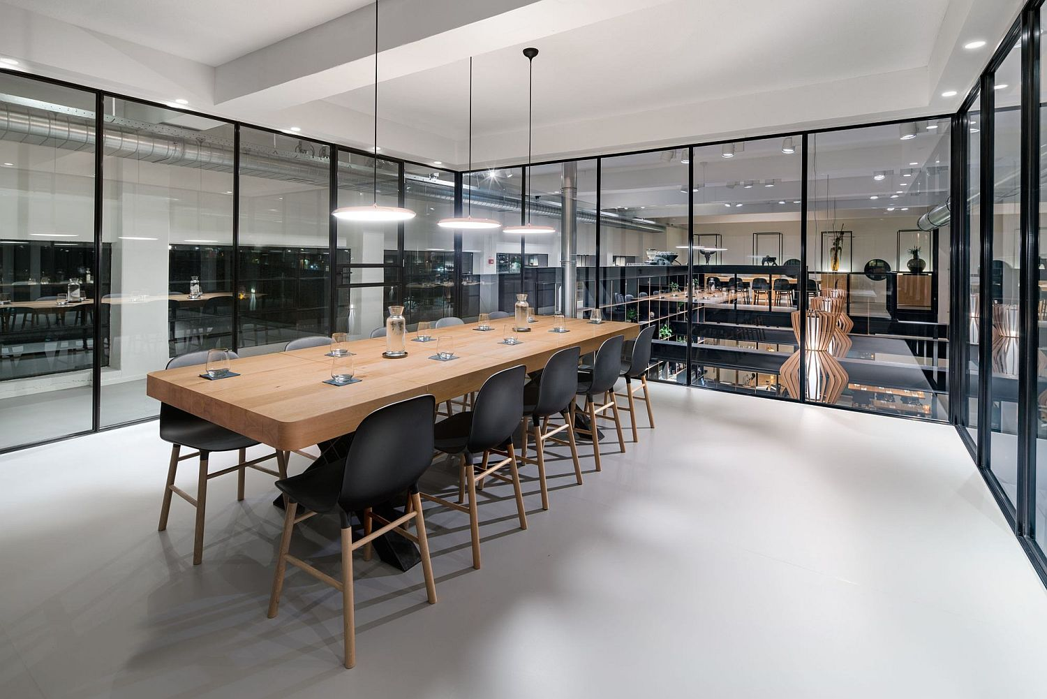 Office-and-showroom-at-the-Capriole-Café
