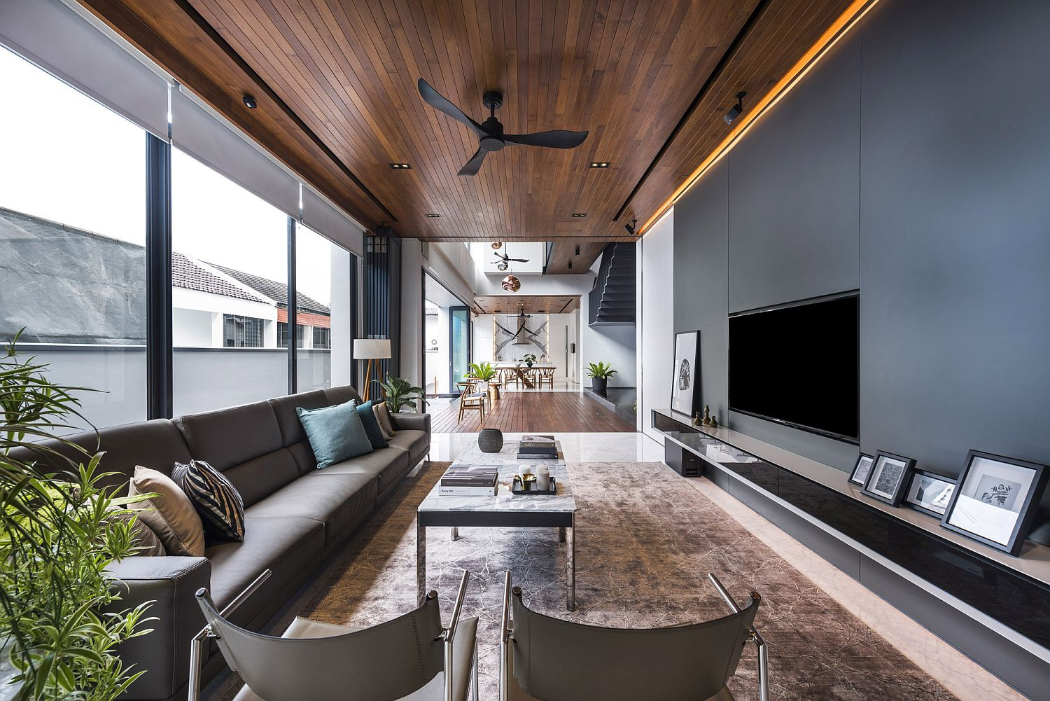 Open interiors allow the homeowner to entertain guests with ease
