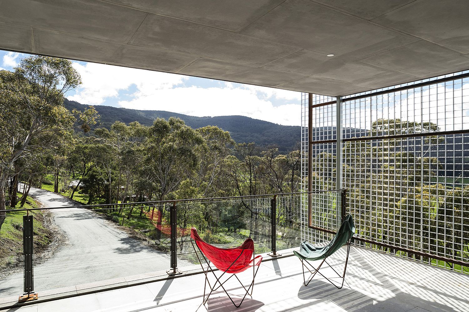 Rooftop deck of the Aussie home with 360 degree views of the bushland