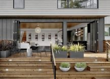 Stackable-folding-doors-connect-the-interior-with-rear-yard-217x155