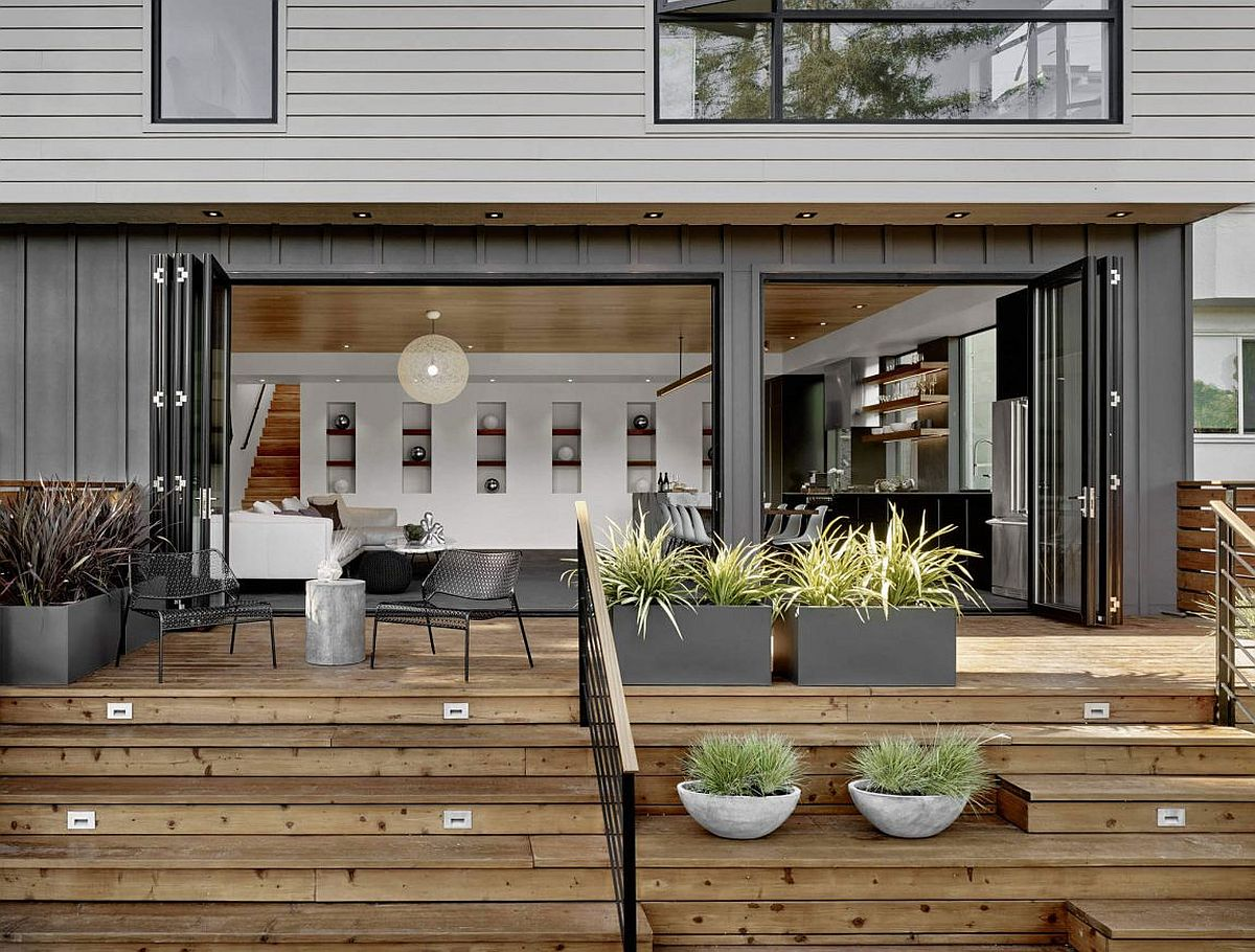 Stackable-folding-doors-connect-the-interior-with-rear-yard