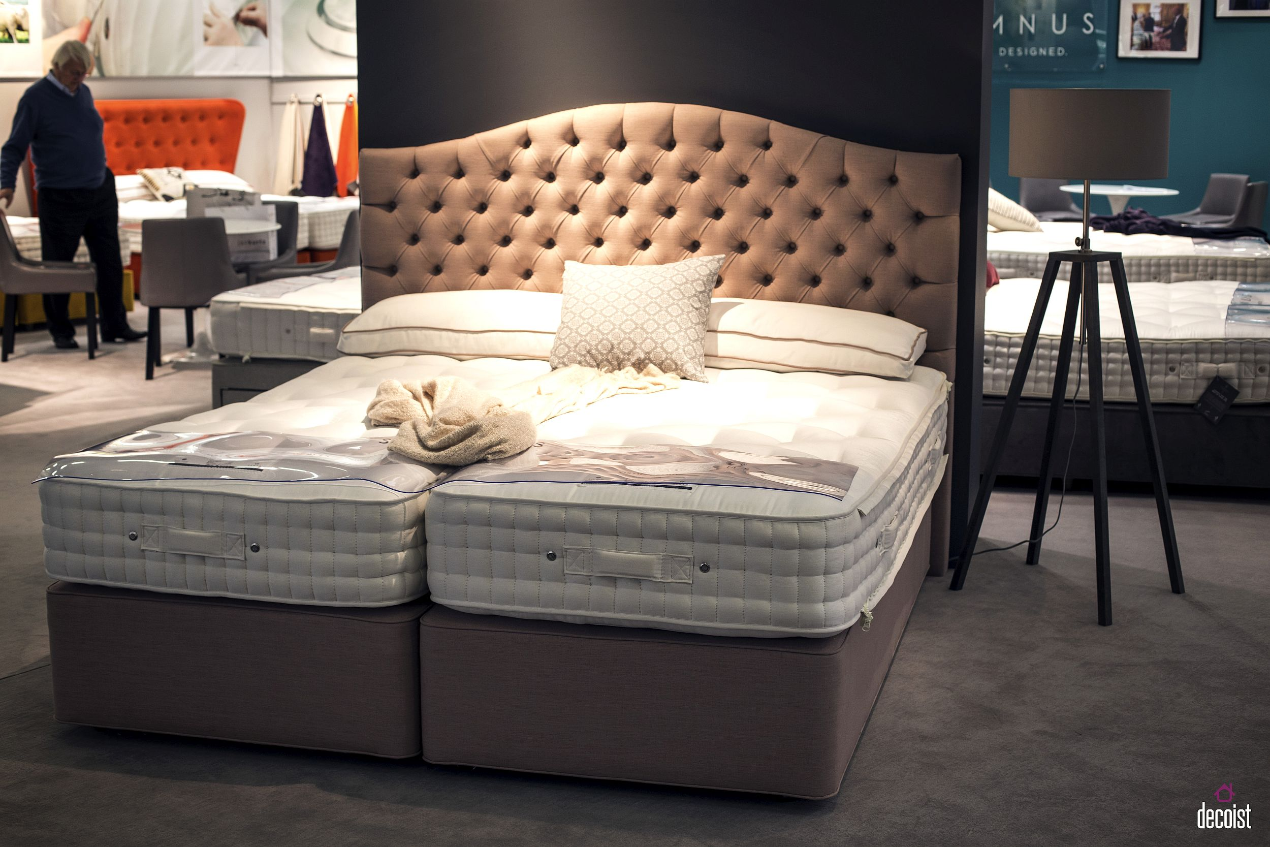 Subtle-curves-of-the-tufted-headboard-grad-your-attention-instantly