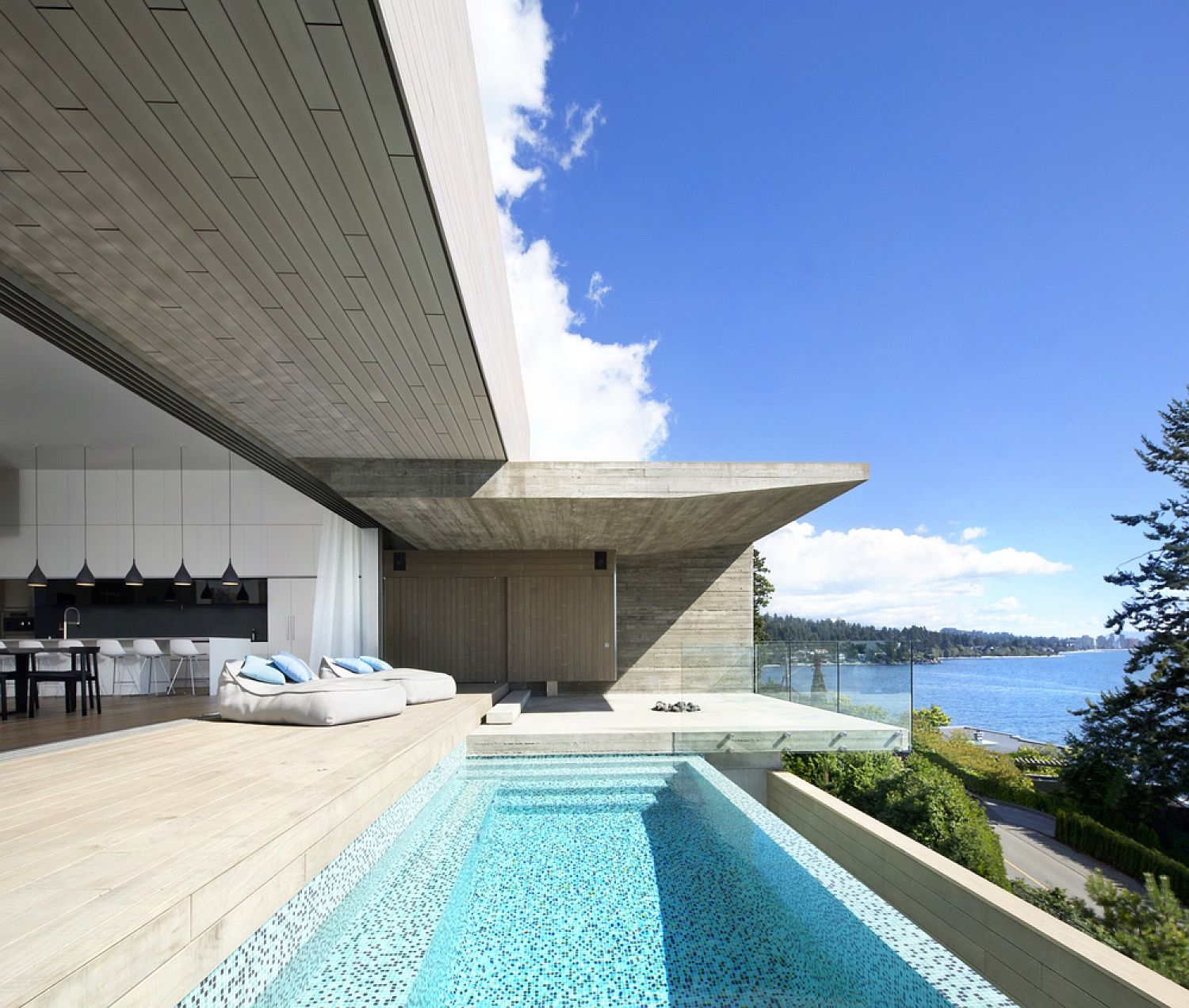 Sunset house exhilarating ocean views laced with for Home wallpaper vancouver
