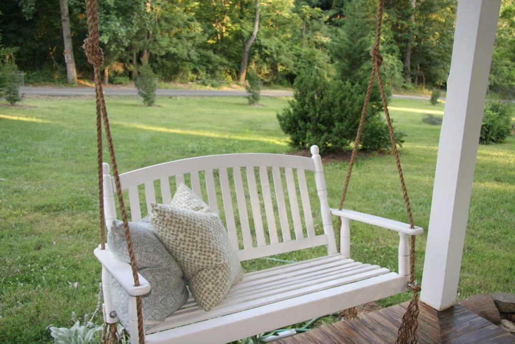 - Getting Ready For Summer: Enliven Your Porch With Comfy Swings