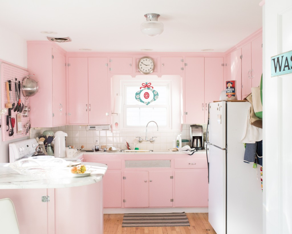 Sexist Past Domestic Cleaning additionally Belling Fmr2080s Retro Microwave 800w 20l Cream also 31clothesline together with Character Of The Week Kelloggs Toucan Sam moreover Pastel Kitchens. on appliances of the 1950s