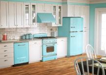 A-bright-kitchen-with-striking-retro-blue-elements-217x155