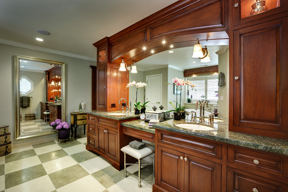 A-checkerboard-flooring-in-a-neutral-color-tone-that-matches-the-countertop