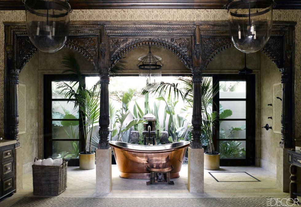 A copper bathtub that feels like an altar