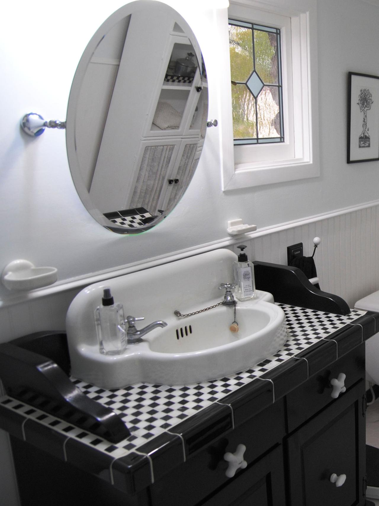 A small checkered addition to the bathroom vanity