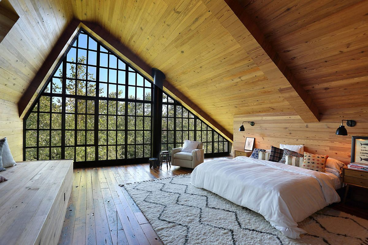 A-style wooden ceiling for the cozy bedroom
