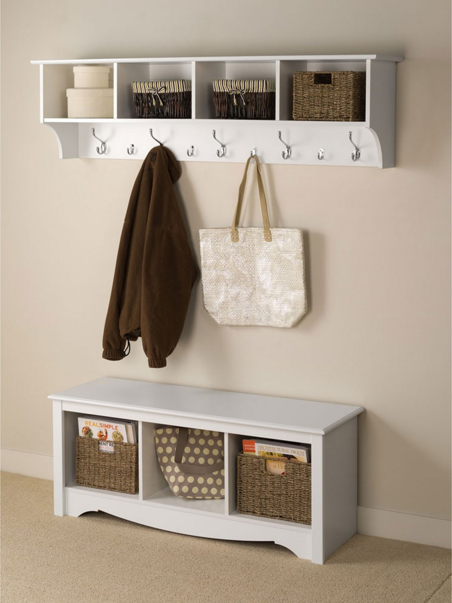 A white wardrobe with brown elements feels elegant and country