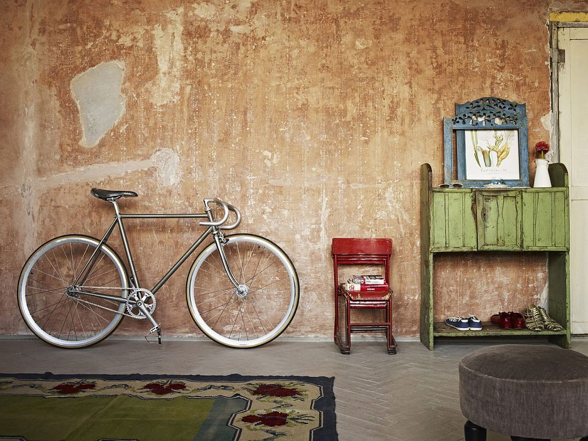 Antique rugs and traditional furniture from Transylvania inside the Budapest home
