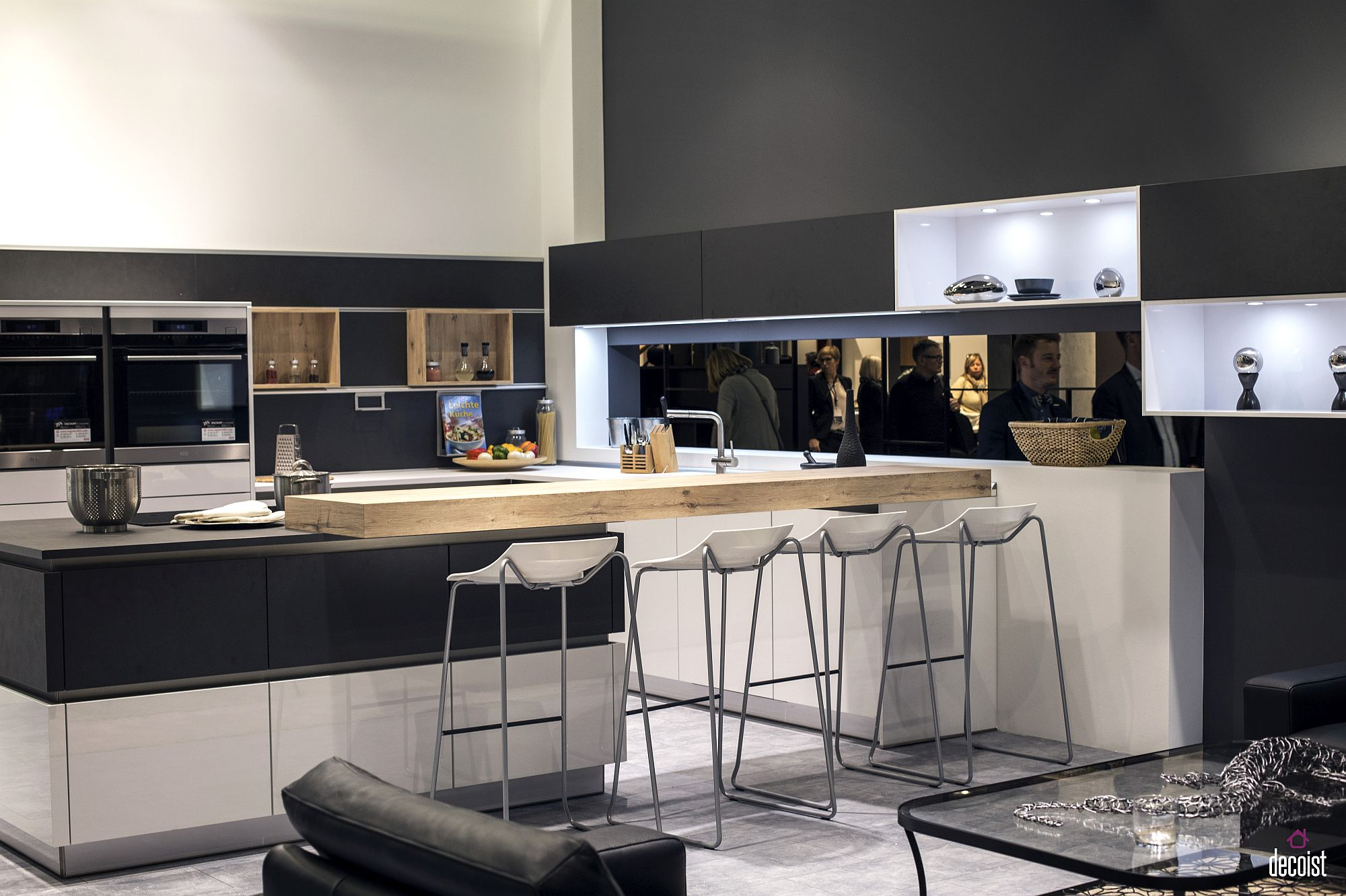Balanced-use-of-gray-and-white-in-the-modern-kitchen-with-wooden-breakfast-bar
