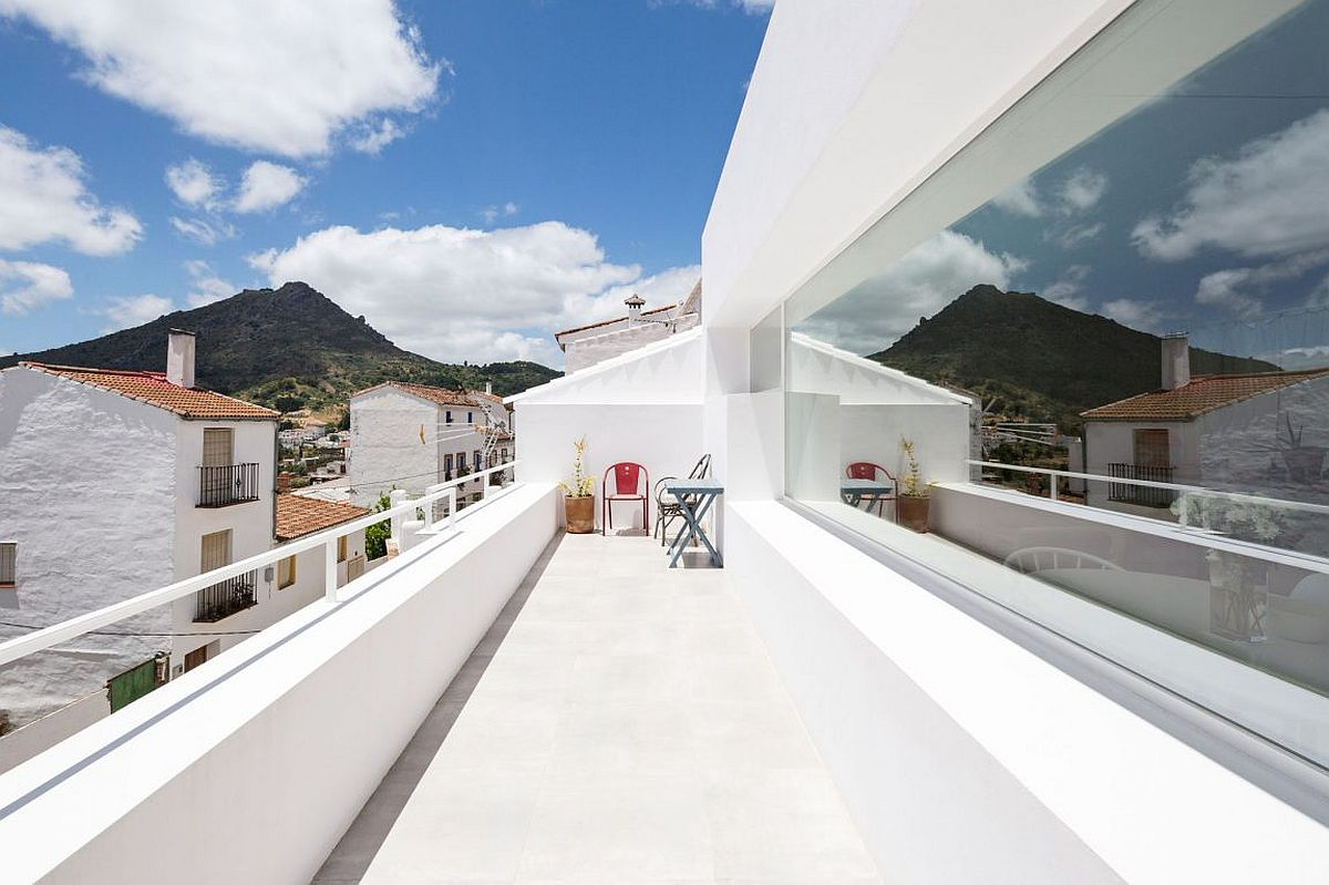 Balcony-in-white-with-a-view-of-Gaucin-and-Strait-of-Gibraltor