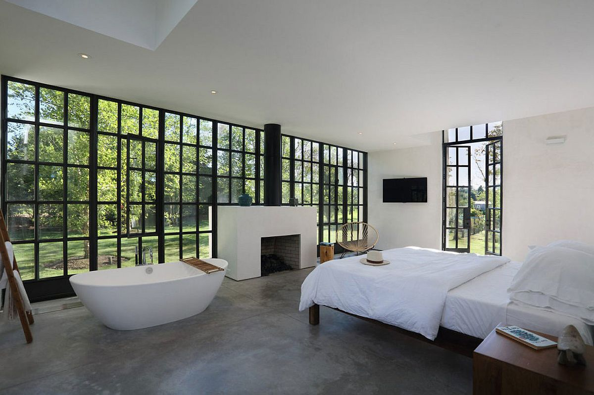Bathtub and fireplace for the master bedroom