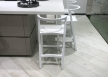 Bright-wood-looking-floor-tiles-by-Porcelanosa-217x155