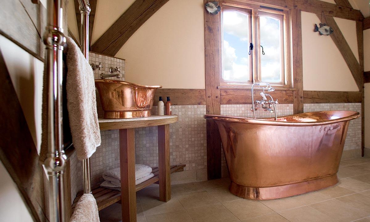 Bronze-bathroom-paradise-full-of-copper-elements-