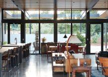 Concrete-flooring-and-energy-efficient-design-of-the-Sacramento-Modern-Residence-217x155
