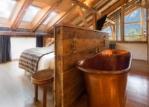 Copper-tub-creates-the-perfect-old-fashioned-atmosphere--217x155