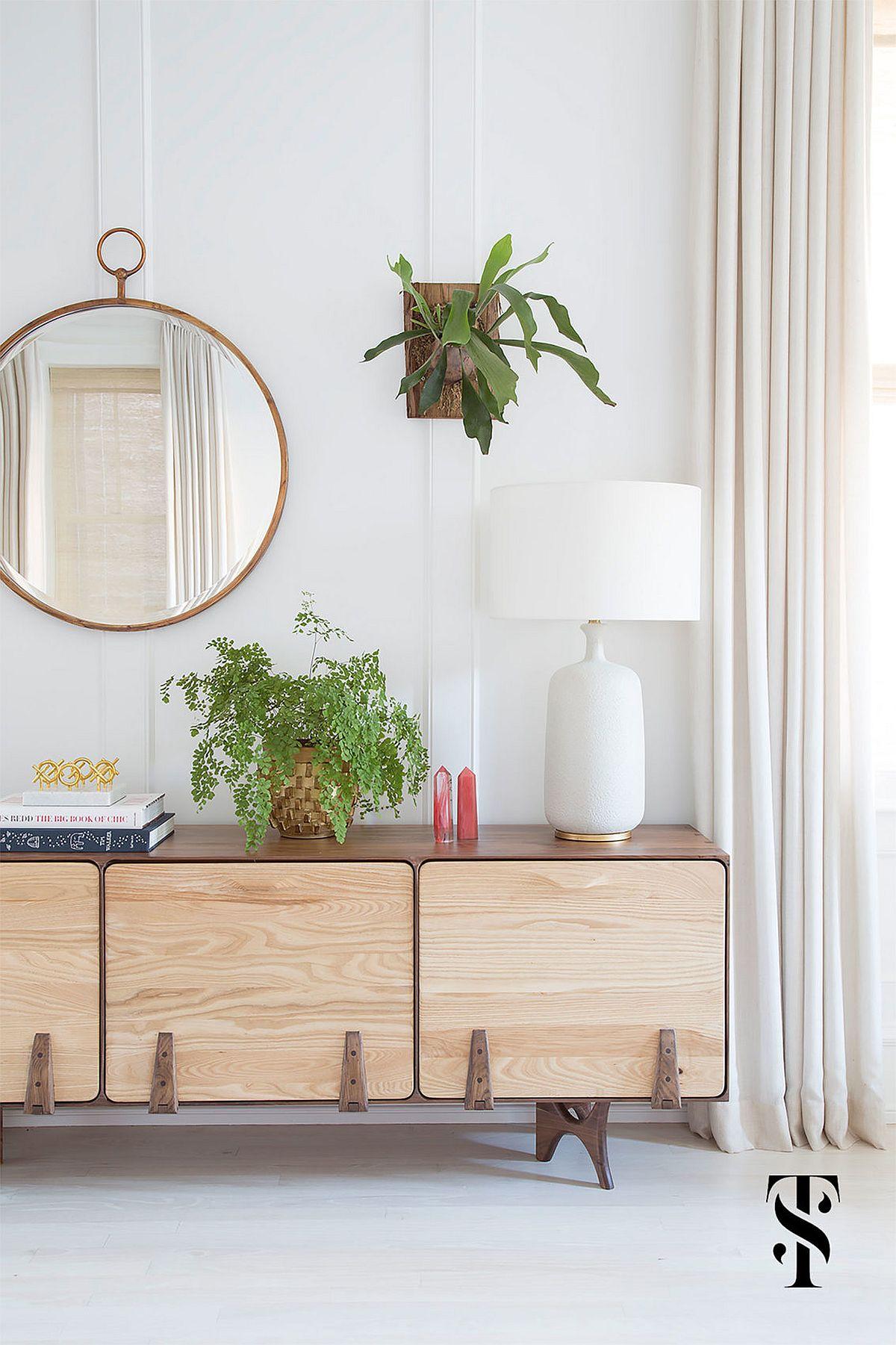 Decorating midcentury modern sideboard in wood