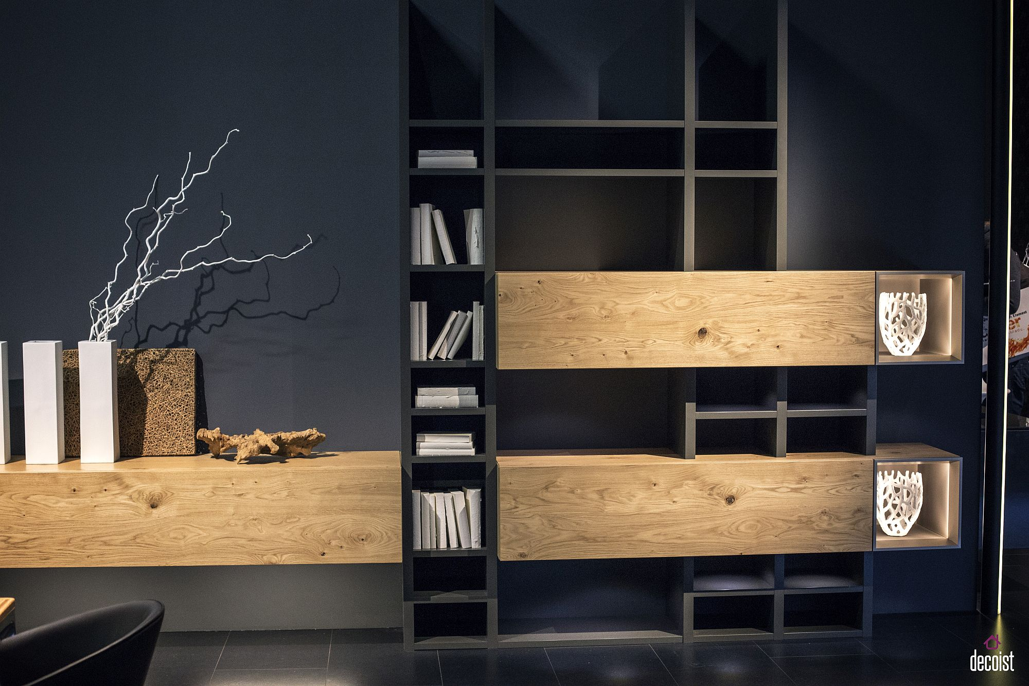 Delightful blend of closed wooden cabinets and open shelves for the living room