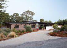 Entry-to-the-Sacramento-Modern-Residence-217x155