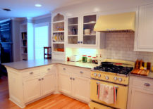 Eye-catching-yellow-stove-channels-the-50s--217x155