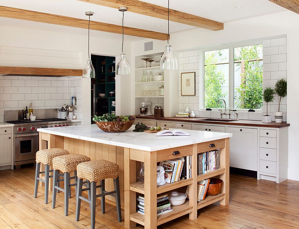 10 dashing modern kitchens that combine marble and wood for Farmhouse style kitchen lighting