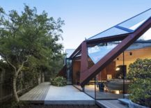 Geometrc-design-of-the-glass-and-metal-roof-217x155