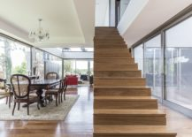 Ingenious-staircase-design-also-brings-natural-light-into-the-lower-level-of-the-home-217x155