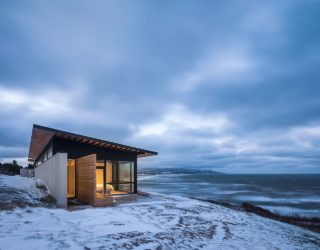 A Dramatic Escape: Secluded Ocean-Side Retreat with Incredible Views