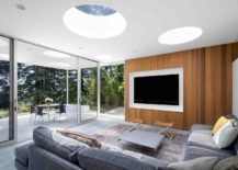 Media-room-and-sitting-area-at-the-Mill-Valley-Guesthouse-with-skylights-and-a-breezy-ambiance-217x155