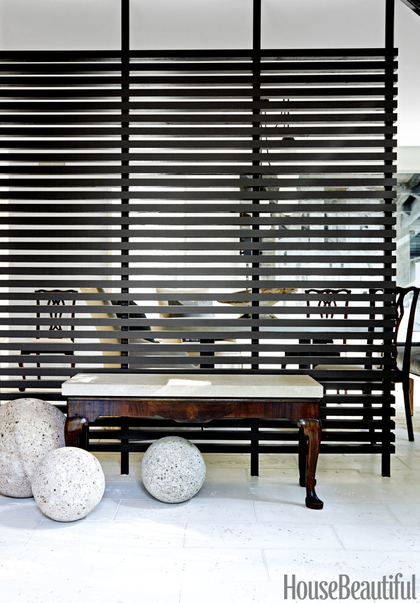 Monochrome entryway is a great example of dynamic simplicity